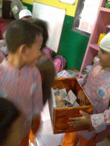 Hasil penjualan karya anak-anak didonasikan untuk korban gempa di lombok