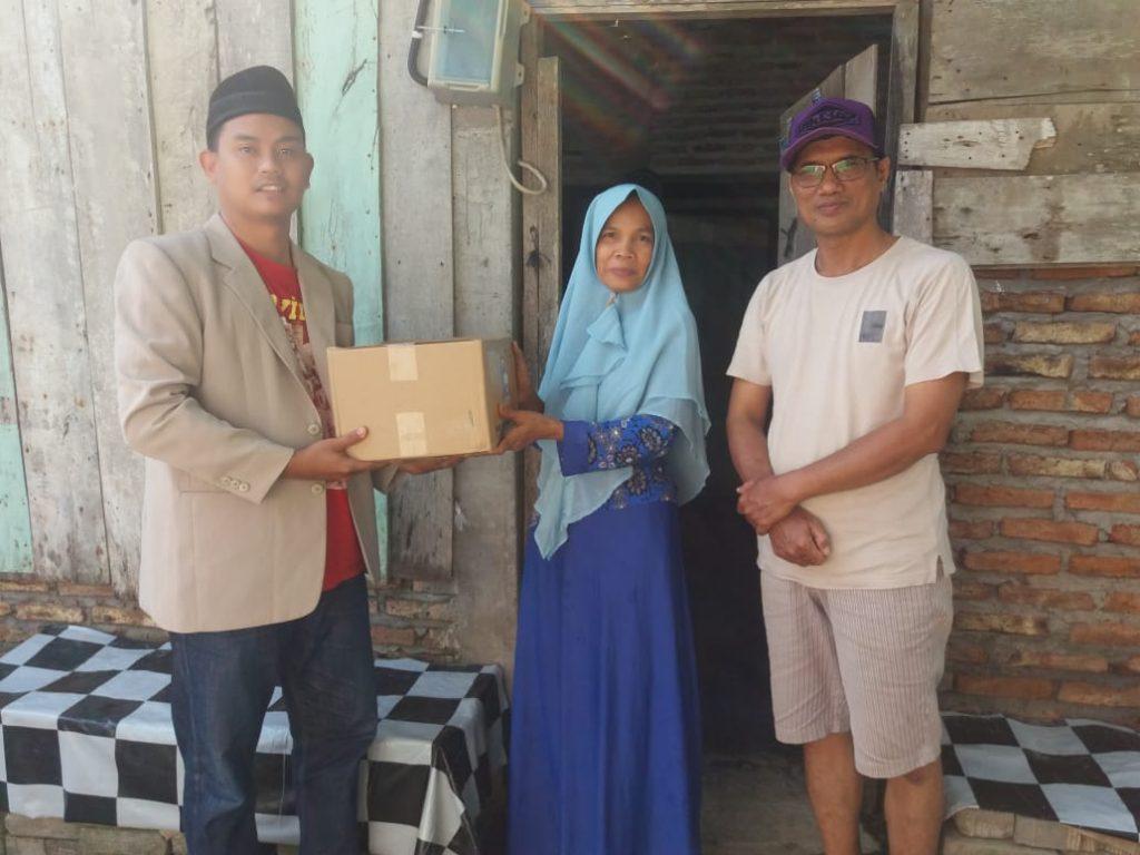 HUT Bhayangkara 74, Satlantas polrestabes semarang gandeng pemuda muhammadiyah salurkan bantuan sembako