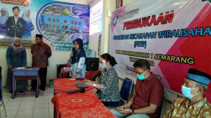 SMK Muhammadiyah Adakan Pelatihan Wirausaha