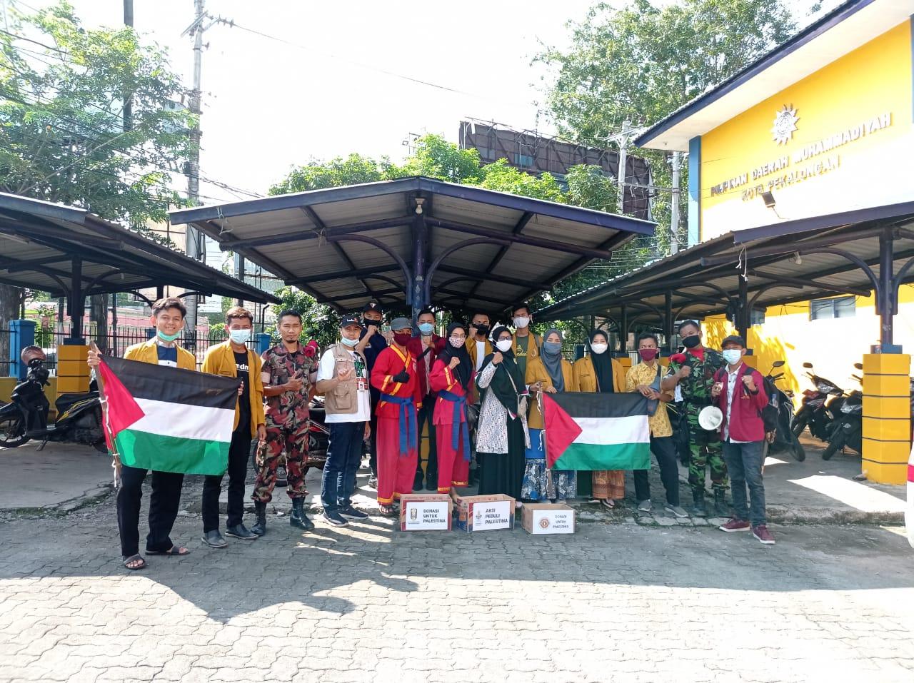Aksi Peduli Palestina, AMM Kota Pekalongan Turun ke Jalan dan Serahkan 6 Juta Kepada Lazismu